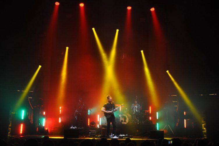 Newton Faulkner, UK tour, April 2016 - lighting design & lighting equipment hire Martin's Lights