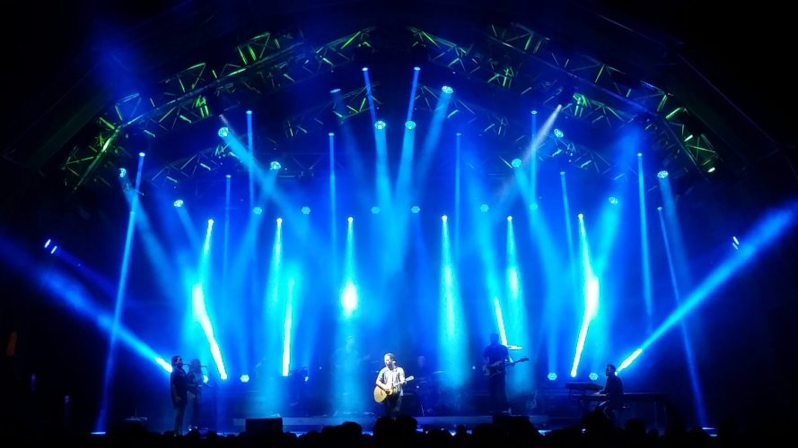 James Morrison, Festival Do Crato, Portugal, August 2016. Lighting direction by Martin's Lights for Cate Carter of Bryte Design Studios.